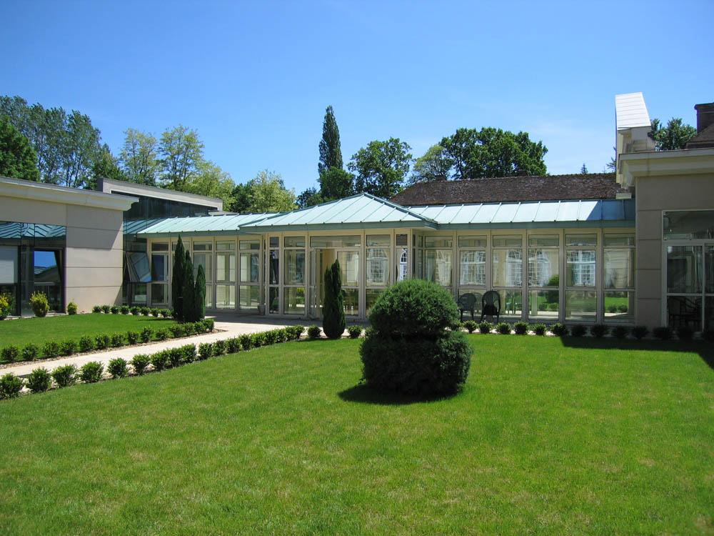 Château de Régennes, Appoigny - Rénovation et Extension d'une clinique gérontopsychiatrique - ATRIA Architectes à Auxerre, Bourgogne